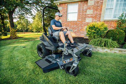 zero turn vs riding mower